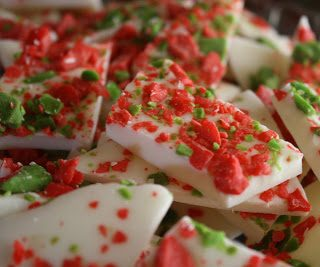 How to Make Easy Peppermint Bark (Two Ingredients + 10 Minutes)