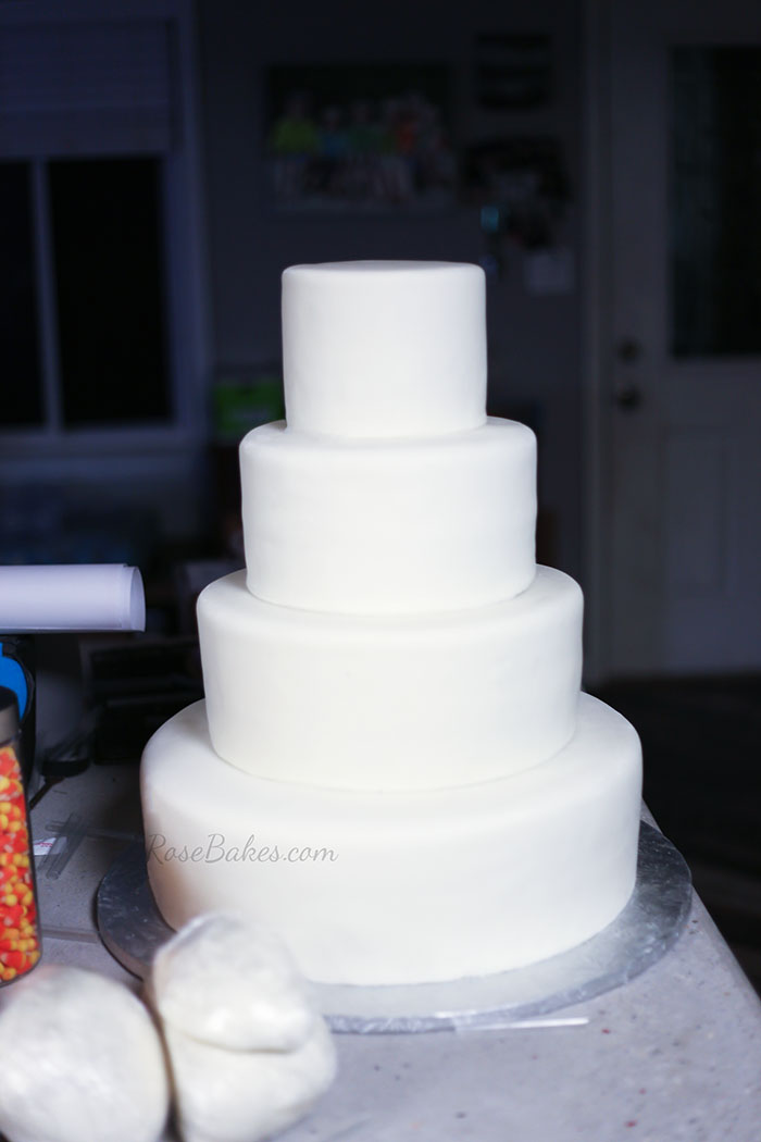 blank-wedding-cake