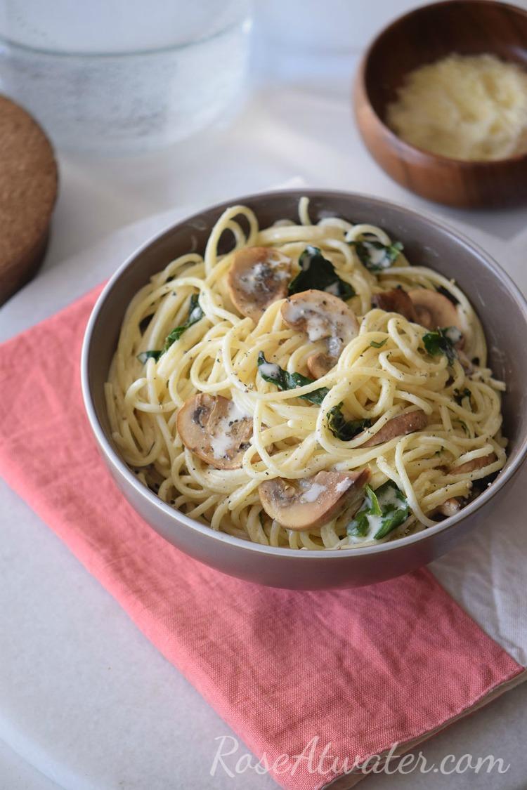 creamy-mushroom-spinach-spaghetti-recipe